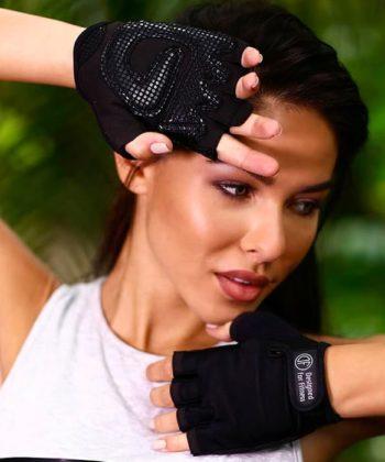 Спортивные перчатки для девушек черного цвета